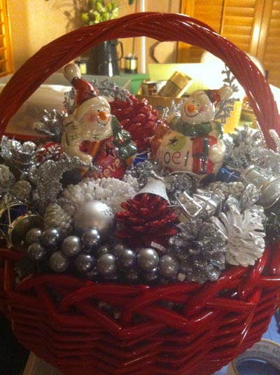 christmas pine cone baskets hand painted